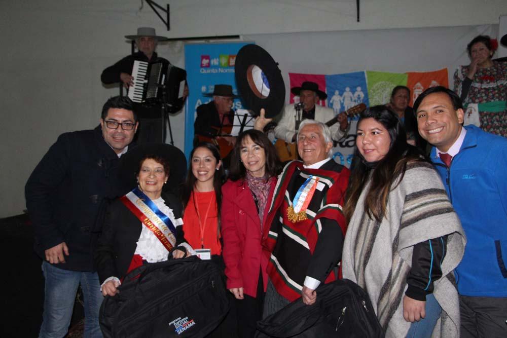 Adultos Mayores Hicieron Gala de Nuestro Baile Nacional