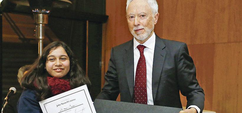 Estudiante quintanormalina gana importante concurso y es reconocida por premio nobel de literatura
