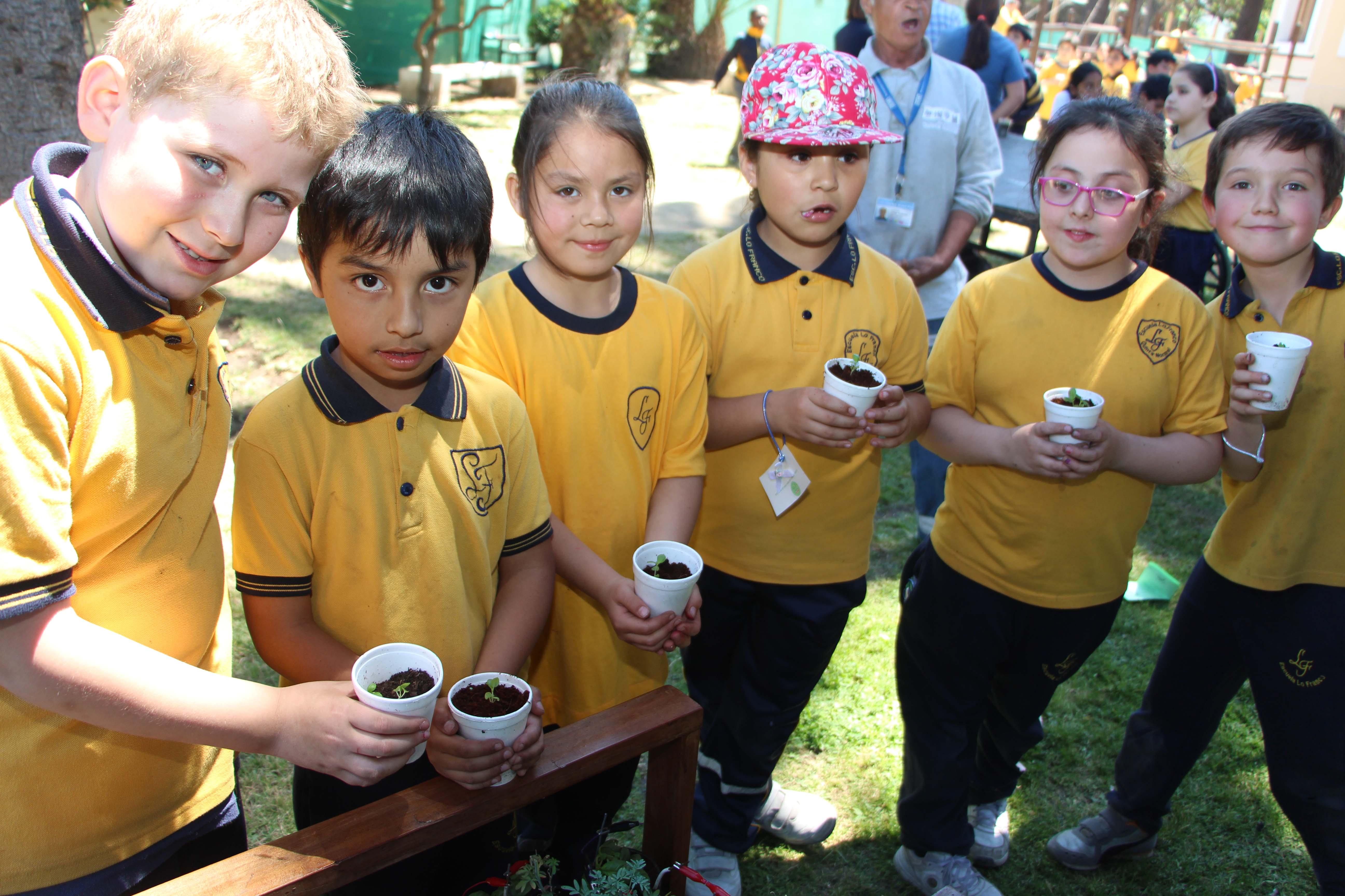 Estudiantes de la comuna fomentan el cuidado del Medioambiente