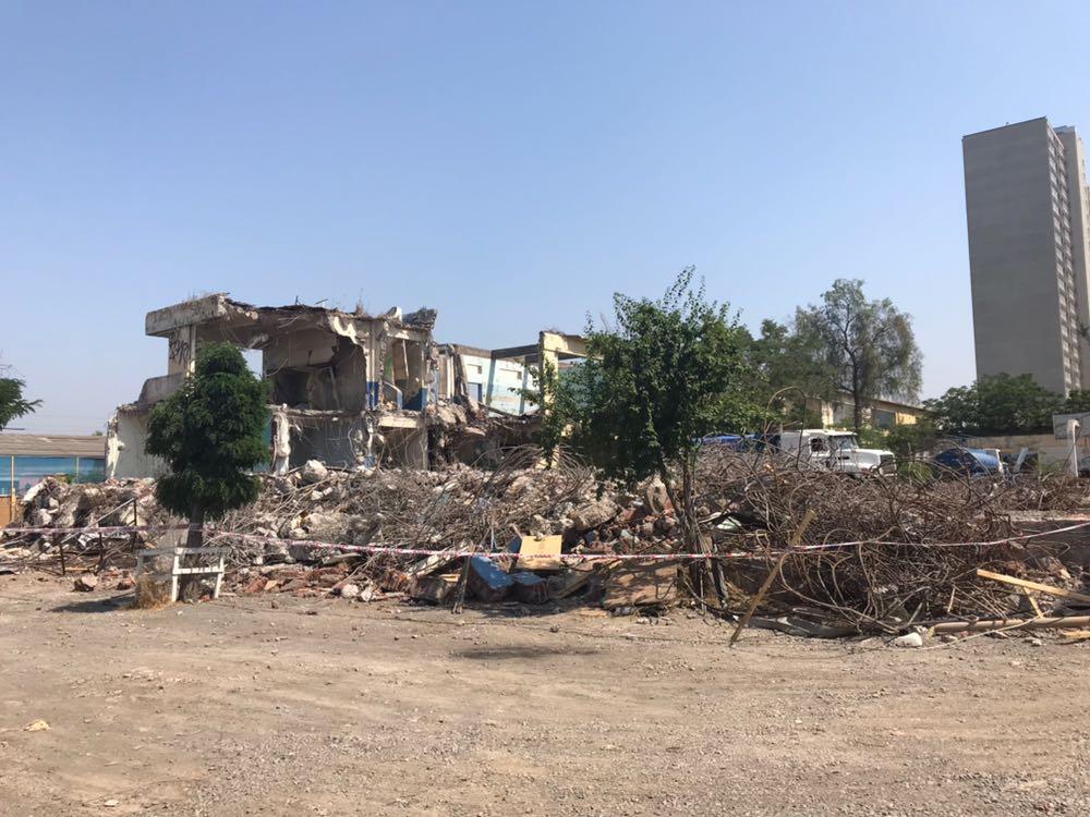 Avanza demolición de la Escuela Reino de Noruega