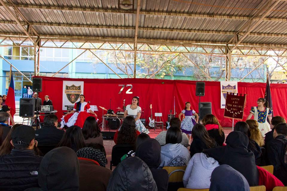 Liceo Juan Antonio Ríos: 72 años educando a nuestros jóvenes