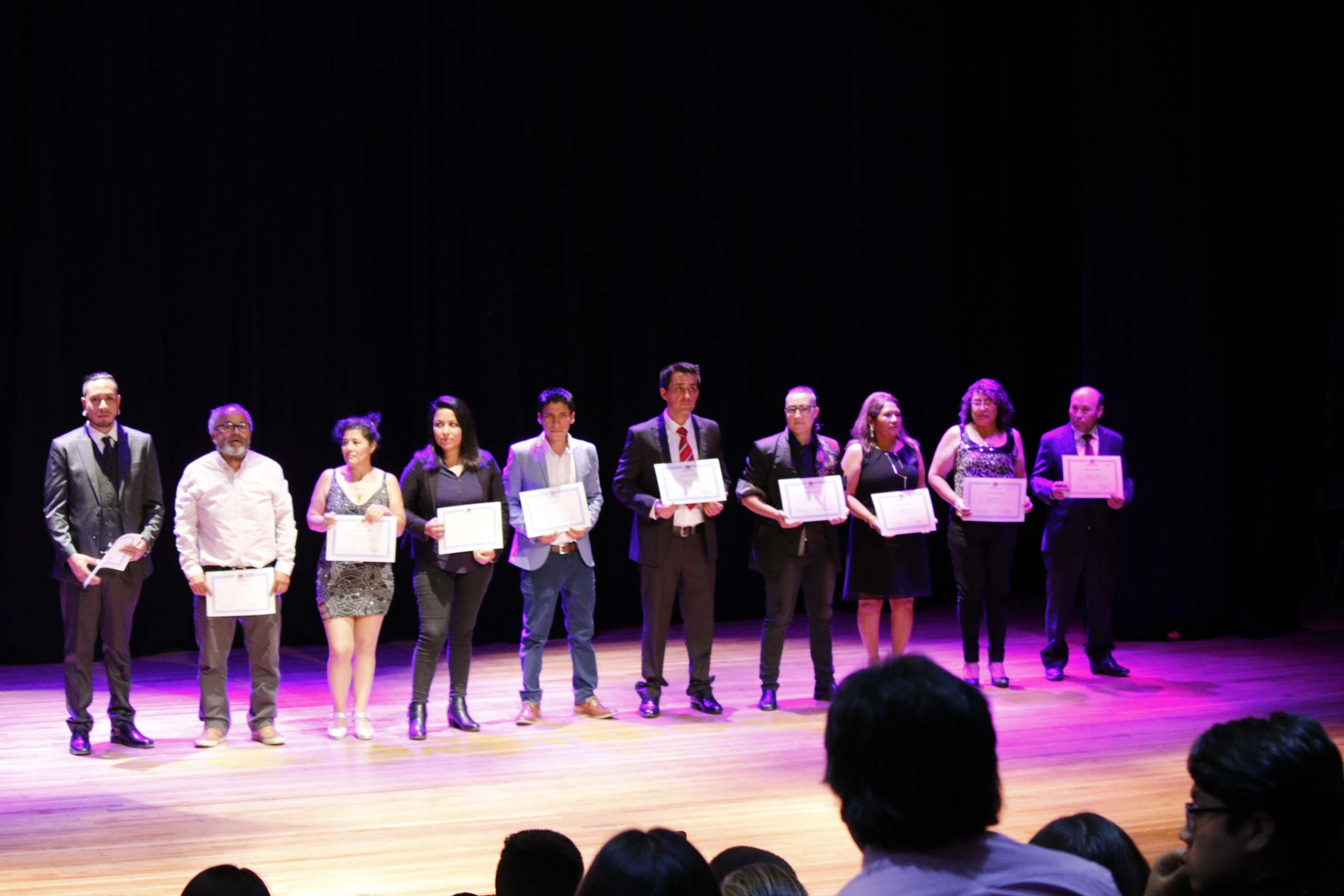Más de 50 personas recibieron su certificado de nivelación de estudios