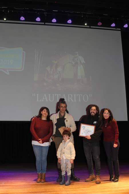 Alcaldesa premia a ganadores de festival de teatro infantil