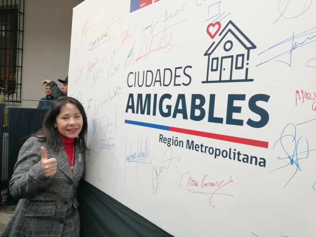 """Alcaldesa suscribe compromiso """"Ciudades Amigables"""""""